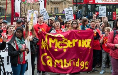 1200x768_salaries-mcdonald-manifeste-proximite-parlement-britannique-londres
