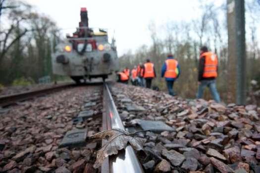 SNCF, RER D. Nettoyage des voies, entretien des roues